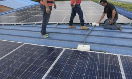 Presentan primer proyecto de paneles solares en institución educativa en el Atlántico