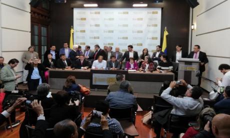 Oposición respalda paro nacional para exigir retiro de ley de financiamiento