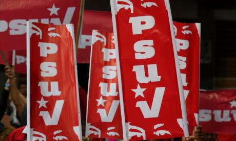 Activistas del Partido Socialista Unido de Venezuela.
