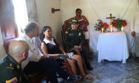 En video | Gobernador visita a familiares de las víctimas de Santa Cruz, Luruaco