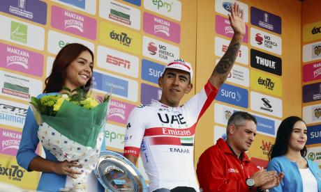 Sebastián Molano celebra la victoria de la etapa.