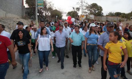 44 firmas colombianas se postulan para construir 40 vías de 'Barrios a la Obra'
