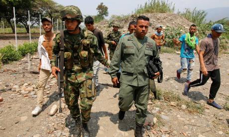 Al menos 156 uniformados venezolanos desertaron y cruzaron a Colombia: Migración