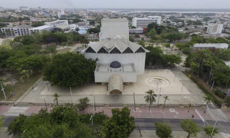 El plazo para la entrega del diseño del teatro Amira De la Rosa se cumple en  junio.