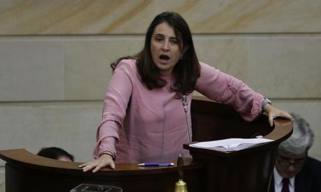 "En video   Paloma Valencia llama ""narcoterrorista"" a Pablo Catatumbo en sesión del Congreso"
