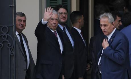 """""""Esa carta debió de enviársela a él mismo"""": Vargas Llosa a López Obrador"""