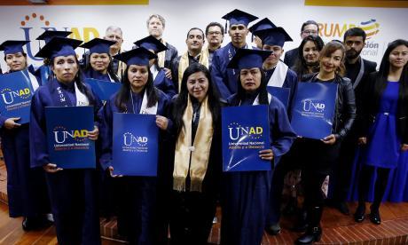 22 exguerrilleros de las FARC se graduaron de bachilleres