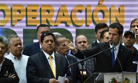 """En video   Guaidó denuncia """"golpe al Parlamento"""" y llama a protestas este sábado"""