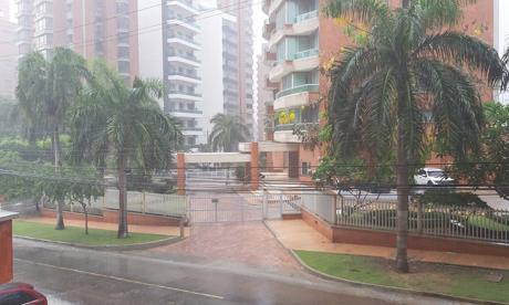 En video | Un aguacero de más de una hora cayó sobre Barranquilla este mediodía