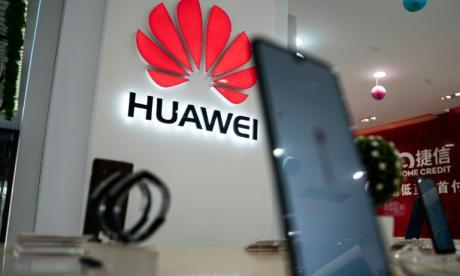 Operadores británicos y japoneses abandonan Huawei