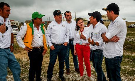 Walfa Téllez estuvo acompañada de autoridades ambientales.