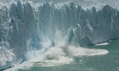 Con un mundo a +2°C los glaciares se seguirán derritiendo y el nivel del mar seguirá subiendo.