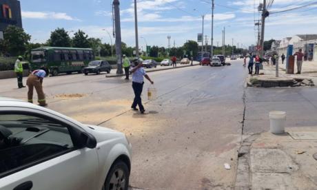 Reguladores de movilidad controlan el tráfico tras la emergencia.