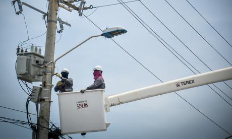 Congresistas costeños avalan subida de las tarifas eléctricas