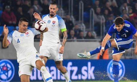 Paraguay es superior, pero  solo empata ante Eslovaquia