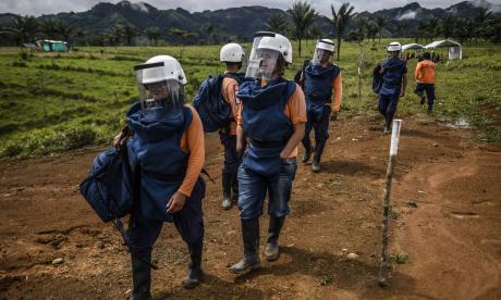 Desminar Colombia, la tarea de los exguerrilleros que sembraron explosivos