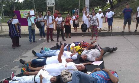 En video   Con plantón en la Circunvalar, indígenas rechazaron ola de violencia en el Cauca