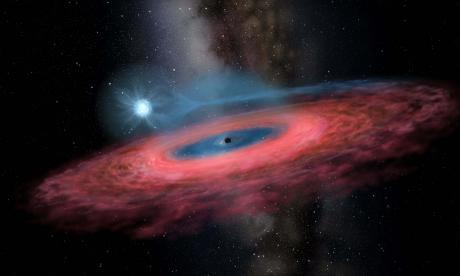Descubren agujero negro 70 veces más grande que el Sol