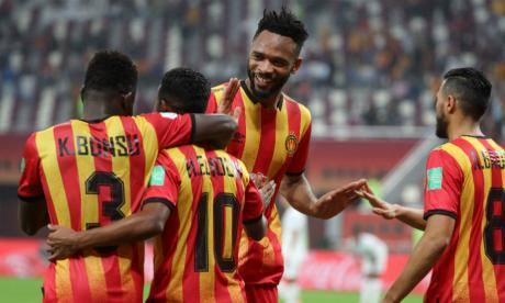 Jugadores del El Esperance festejan su quinto puesto en el Mundial de Clubes.