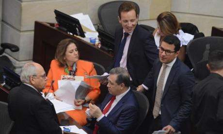 Senado levantó debate de tributaria por error de procedimiento