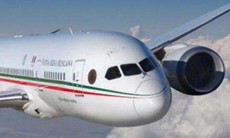 El avión presidencial.