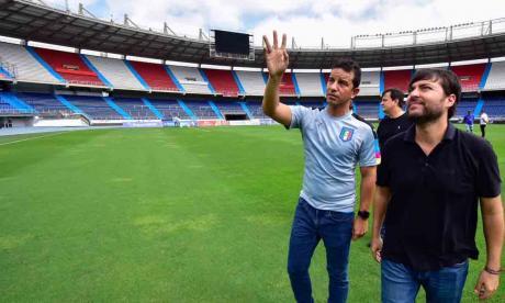 El alcalde de Barranquilla Jaime Pumarejo Heins junto al secretario de Recreación y Deportes, Gabriel Berdugo.