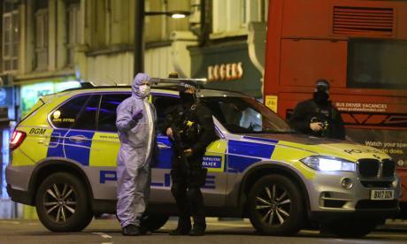 """Dos heridos en Londres en un ataque """"terrorista"""" con cuchillo"""