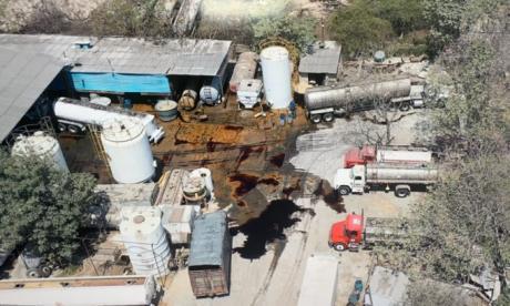 Investigan vertimiento de aceite en el Río
