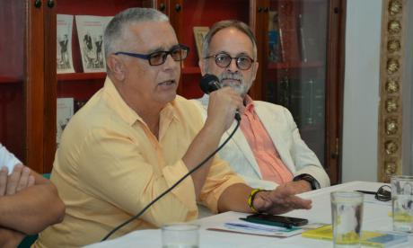 Orlando Vergés Martínez y David Batista Vargas, durante el segundo ciclo de actividades académicas abiertas al Doctorado en Sociedad y Cultura Caribe.
