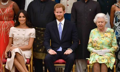 El príncipe Enrique vuelve al Reino Unido antes de emprender su nueva vida