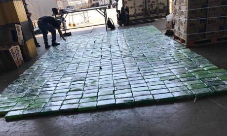 Hallan 656 kilos de cocaína ocultos en cajas de banano en puerto de Santa Marta