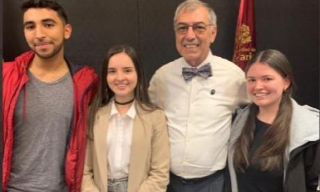 El alcalde William Dau fue ayer panelista de la Universidad del Rosario de donde es egresado.