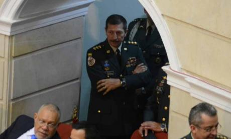 El excomandante del Ejército, Nicacio Martínez, en un debate en el Senado.