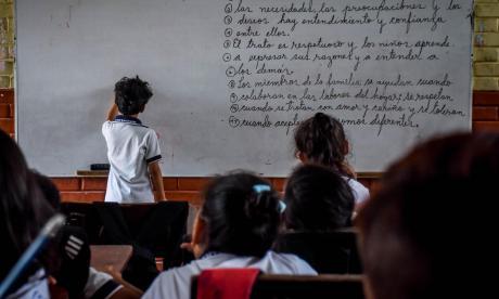 Los niños empezaron a recibir clases virtuales como medida de prevención ante la pandemia del COVID-19.