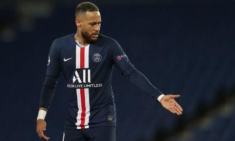 Neymar, delantero del PSG de Francia.