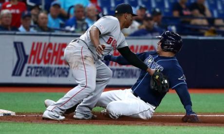Acción de un juego entre los Medias Rojas de Boston y los Rays de Tampa