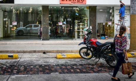 Locales comerciales cerrados en el norte de Barranquilla.
