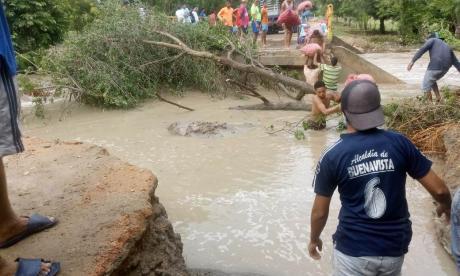 Una población de Sucre queda incomunicada por los 4 caminos de acceso