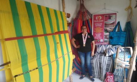 Damaris Buelvas en su escuela-taller de San Jacinto.