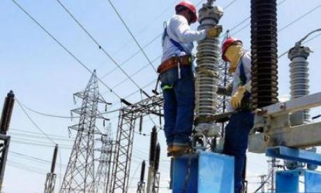 Usuarios reportan retorno del servicio de energía