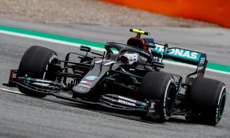 Lewis Hamilton en acción.