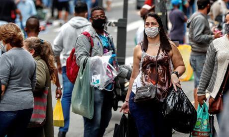 Bolsonaro veta el uso obligatorio de máscara en comercios, templos y escuelas