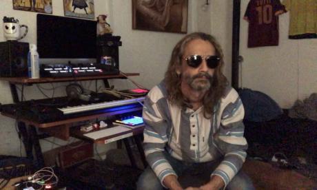 'Control', la protesta rock de Lucho Senior por Tasajera