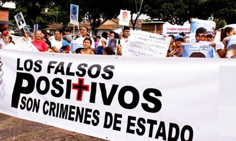 """Madres de víctimas de """"falsos positivos"""" esperan justicia en caso de Uribe"""