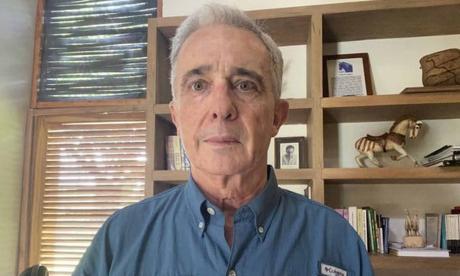 """Testimonios en mi contra fueron comprados por Farc"": Uribe"