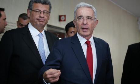 ¿Y quién asumirá ahora investigación contra Álvaro Uribe?