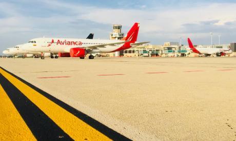 Varios aviones de la flota de la aerolínea Avianca en el aeropuerto de Barranquilla Ernesto Cortissoz.