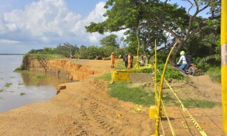 Citan debate en Cámara por erosión en la vía Salamina - El Piñón