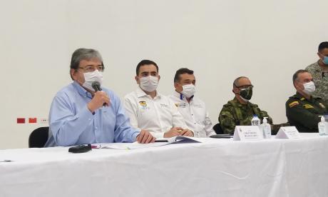 El ministro Carlos Holmes Trujillo anuncia las medidas de seguridad para los Montes de María.