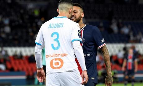 Neymar y Álvaro González protagonizaron fuertes pleitos durante el duelo entre PSG y Marsella.